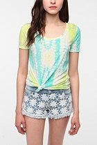 BDG Printed Scoopneck Tee with lace shorts