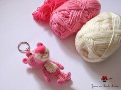 joana em banho maria: Pantera cor-de-rosa (versão porta-chaves) quase pronta.
