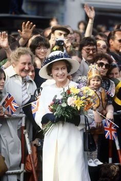 We look back at the life of Queen Elizabeth II through of series of photos capturing both her public life and her more private, candid moments. Die Queen, Hm The Queen, Royal Queen, Her Majesty The Queen, Royal Princess, Princess Diana, Queen Hat, Mode Chanel, Isabel Ii