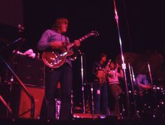 Terry Kath, Walt Parazaider and Lee Loughnane (Chicago 1971)