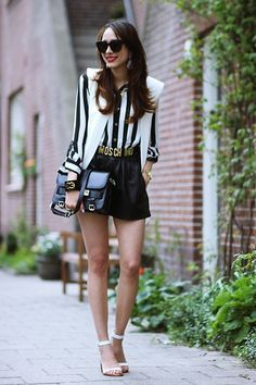 One of my favorit bloggers, Virgit, sporting the black and white trend.