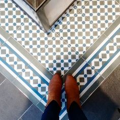 We're loving these Henley tiles we spotted in our #Chelsea Boutique store. #tileporn #toppstiles #victoriantiles #ihavethisthiswithfloors #patterns by toppstiles
