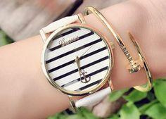 #montres #montresfantaisie #bijouxfantaisie #bijouxcreateur Trendy Jewelry, Gold Jewelry, Women Jewelry, Trendy Watches, Cool Watches, Anchor Watch, Bracelet Watch, Accessories, Paris