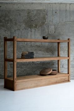 Demode furniture-vynals and turntable Handmade Furniture, Wooden Furniture, Furniture Projects, Cool Furniture, Furniture Design, Japanese Furniture, Home And Deco, Living Furniture, Furniture Inspiration