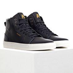 Axel Arigato - High top sneaker (Dark navy full-grain leather) - €180