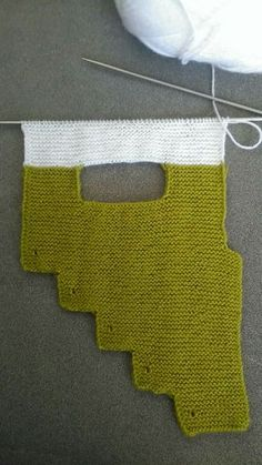 This Pin was discovered by Лидия Клишина. Discover (and save! Diy Crafts Knitting, Diy Crochet Projects, Diy Crafts Crochet, Knitting Projects, Poncho Knitting Patterns, Knitting Socks, Hand Knitting, Crochet Patterns, Crochet Hooded Scarf