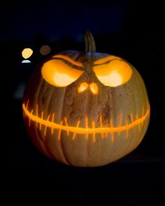 Halloween Pumpkins: Jack Skellington Nightmare Before Christmas Carved Pumpkin Boo Halloween, Image Halloween, Holidays Halloween, Halloween Pumpkins, Halloween Crafts, Happy Halloween, Halloween 2020, Halloween Clothes, Mini Pumpkins