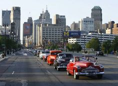A parade of classic and iconic vehicles heads up Woodward Avenue in Detroit, Michigan during the annual Woodward Dream Cruise. actually i want any car i can take to the cruise(: Detroit Area, Metro Detroit, Detroit Michigan, Detroit Today, Detroit Downtown, Livonia Michigan, Flint Michigan, Woodward Avenue, Convertible