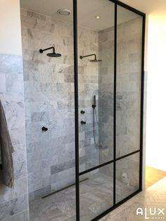 Amazing Bathroom Wall Decor Ideas Will Inspire Your Home / Design Bathroom Wall Decor, Bathroom Interior, Modern Bathroom, Master Bathroom, Bathroom Sinks, Bathroom Purple, Mosaic Bathroom, Bathroom Images, Minimalist Bathroom