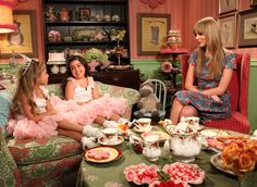 Tea Time with Sophia Grace & Rosie...and Taylor Swift!