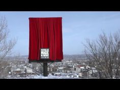 Una valla que desaparece en directo - We love advertising