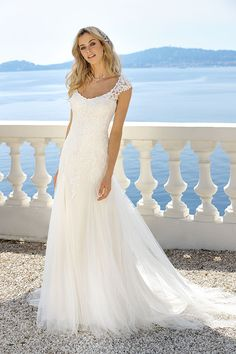 Gorgeous Wedding Dresses style 9366592074 - Simply sensational wedding gown pointer to create a very awesome style. Wedding Dresses 2018, Bridal Dresses, Marie Laporte, Weeding Dress, Long Sleeve Wedding, Pretty Dresses, The Dress, Bride, Bridal Collection