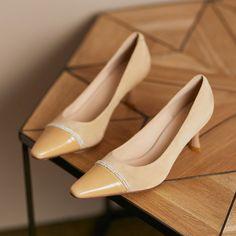 Women fashion shoes, handbags, boots, sandals, loafers, pumps, oxfords Kitten Heel Shoes, Shoes Heels Pumps, High Heels, Women's Shoes, Court Shoes, Shoe Collection, Fashion Shoes, Oxfords, Loafers