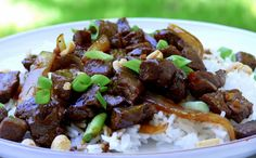 Vietnamese-Style Beef with Garlic, Black Pepper and Lime (made this last night for supper, Kids and husband liked it.the only difference is I added Green bell pepper. Made with rice and broccoli Beef Recipes, Cooking Recipes, Healthy Recipes, Garlic Beef Recipe, Easy Asian Recipes, Beef Dishes, Dinner Tonight, So Little Time, Carne