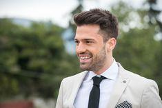 """Κωνσταντίνος Αργυρός: Δείτε ποιος τραγουδιστής τον """"έριξε"""" από την κορυφή Greek Men, Greek Music, Tyler Hoechlin, Gq, Handsome, Hair Beauty, Singer, Portrait, Celebrities"""