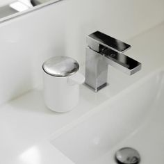 Stylish, simple and practical soap dispenser. Easy to clean, easy to use and refill when empty. Simply tip the dispenser forward to refill. A simple touch of the brushed steel lid dispenses the soap. Stationary Gifts, Soap Pump, Soap Dispenser, Modern Bathroom, Pumps, Cleaning, Steel, Simple, Empty