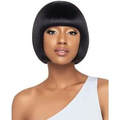 Thinking about giving your medium hair an update? Try a sassy and versatile long bob with bangs. The lob is a great choice for women of all ages because it's classy, timeless and suitable for different types of hair and face shapes. Modern Bob Hairstyles, Black Women Short Hairstyles, Stacked Bob Hairstyles, Long Bob Haircuts, Trending Hairstyles, Short Hair Cuts For Women, Girl Hairstyles, Lob Haircut With Bangs, Blonde Bob Haircut