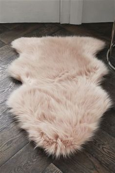 A Super Soft Style For Your Home Our Faux Sheepskin Rug That Feet Are