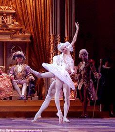 Svetlana Zakharova and David Hallberg in the Sleeping Beauty