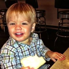 Jared's Twitter profile picture of Thomas. So. Cute. <3 #SuprenaturalCast #JaredPadalecki #BabyMoose