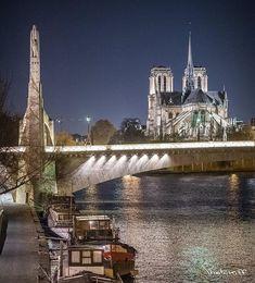 Le Pont de la Tournelle et la Cathédrale de Notre-Dame de Paris by Photokiff.
