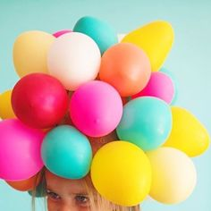 A balloon hat might be our most fun Halloween costume yet! 🎈🎈🎈🎈