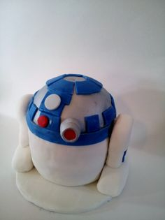 Angry Birds Star Wars R2 D2 Cake!