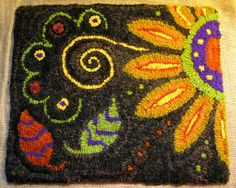 The hooking is done on my Sassy Sunflower rug! Thank-you all from the bottom of my heart for your sweet compliments on this little mat! Rug Hooking Designs, Rug Hooking Patterns, Rug Patterns, Latch Hook Rugs, Rug Inspiration, Hand Hooked Rugs, Penny Rugs, Wool Applique, Rug Making