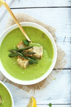 6. Creamy Asparagus and Pea Soup  #vegan #postworkout #recipes https://greatist.com/eat/vegan-post-workout-meals