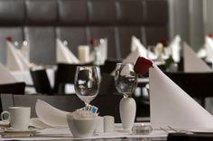 Restaurant Radicchio Atrium, Vienna Hotel, Best Rated, Restaurant, Table Decorations, Home Decor, Contemporary Design, Restaurants, Interior Design