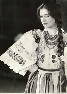 "polishcostumes: "" Folk costume from Łowicz, Poland. Archival photograph, date unknown. Polish Clothing, Folk Clothing, Poland Costume, Folk Costume, Costumes, Polish Folk Art, Folk Dance, Cultural Diversity, Ethnic Dress"