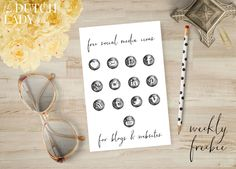 Freebie Fridays #64 - Social Watercolor Dots - The Dutch Lady Designs