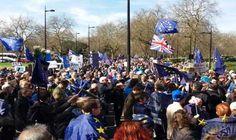 المتظاهرون البريطانيون يطالبون حكومتهم بالتخلّي عن خطط…: خرج عشرات الآلاف من المتظاهرين إلى شوارع لندن للمطالبة بالتخلّي عن خطط خروج…
