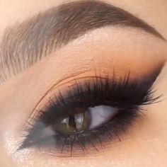 Stunning Smoky Eye Makeup Tutorial Stunning Smoky Eye Makeup Tutorial By: Related wunderschöne Augen Make-up Looks to Most Gorgeous Prom Makeup LooksTruques de maquiagem para afinar o nariz - 5 passos Makeup Eye Looks, Eye Makeup Tips, Makeup Hacks, Smokey Eye Makeup, Eyebrow Makeup, Makeup Goals, Skin Makeup, Makeup Inspo, Eyeshadow Makeup