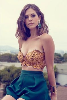beautiful ornate yellow bra and green skirt outfit combo on unknown beauty <3