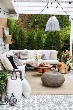Perfect Patios: How to Create a Stunning Outdoor Space Patio Decor Outdoor Rooms, Outdoor Living, Outdoor Furniture Sets, Outdoor Decor, Outdoor Patios, Outdoor Seating, Outdoor Kitchens, Outdoor Tiles Patio, Garden Furniture