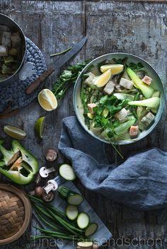 It's Fisch-Freitag: Green Thai Fish Curry, Neujahrssalat mit knusprigem Fisch-Topping und Herzhafte Fischbrötchen mit Rote Bete Remoulade!