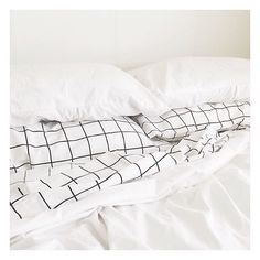 These new grid sheet sets from @kmartaus are making it that much more difficult to get out of bed in the morning. Prices range from $34 for a Double, to $44 for a King... Singles have yet to be spotted. #Kmart #kmartstyling #kmartaus #thebargaindiaries #bedding #gridpattern