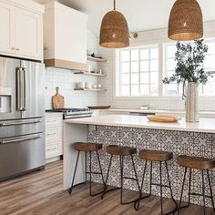 8 Glowing Simple Ideas: Kitchen Remodel House new kitchen remodel ideas.Farmhouse Kitchen Remodel To Get. Home Decor Kitchen, New Kitchen, Kitchen Dining, Rustic Kitchen, Awesome Kitchen, Kitchen Cabinets, Kitchen Stools, Dining Rooms, Boho Kitchen