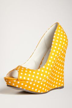 For the love of all that is good... These are amazing: yellow and polka-dotted. <3 <3 <3