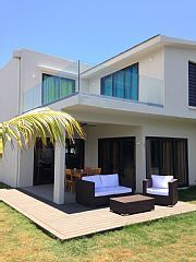 Schitterende+villa+ontwerp,+nieuw,+groot+zwembad,+3+min+lopen+strand+Trou+aux+Biche++Vakantieverhuur in Trou Aux Biches van @homeaway! #vacation #rental #travel #homeaway