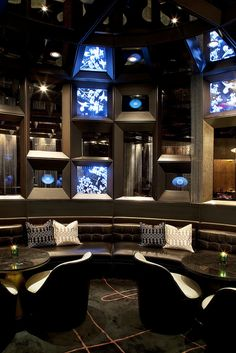 Masculine & elegance W Hotel, Hong Kong—Living Room by W Worldwide Home Design, Interior Design, Design Room, Design Ideas, Bar Lounge, Lobby Lounge, Hotel Lobby, Cool House Designs, Commercial Interiors