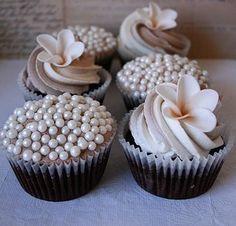 pretty and elegant cupcakes