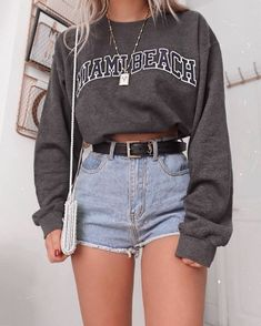 Teen Fashion Outfits, Mode Outfits, Retro Outfits, Fashion Clothes, Style Clothes, Vintage Outfits, Cool Clothes, Hipster Fashion, Shorts Outfits For Teens
