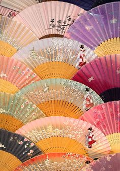 ★ Lively Yellow ★ !!! The secrets of happiness !!! ...Japanese Sensu (fan)