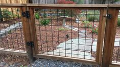 Charming Modern fence material,Modern fence design 2018 and Front yard fence gate. Wire And Wood Fence, Hog Wire Fence, Diy Dog Fence, Chicken Wire Fence, Welded Wire Fence, Cedar Fence, Redwood Fence, Wooden Fences, Horse Fence