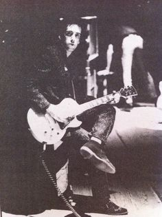 Mick Jones Topper Headon, The Future Is Unwritten, Paul Simonon, Mick Jones, Pork Pie Hat, Joe Strummer, Band Photos, George Orwell, The Clash