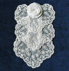 Vintage jabot, floral frilled machine lace, a very pretty item. c 1920's