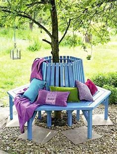 Creative Handmade Garden Decorations, 20 Recycling Ideas for Backyard Decorating Charming Backyard Garden Ideas, I would make the seat wider so you could curl up and read a book Tree Seat, Tree Bench, Outdoor Projects, Garden Projects, Garden Ideas, Backyard Ideas, Palette Verte, Dream Garden, Home And Garden