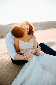 The Most Golden of Hours - An Epic Sand Dunes Engagement Shoot - Engaged Life Country Engagement Pictures, Winter Engagement Photos, Engagement Photo Poses, Engagement Photo Inspiration, Beach Engagement, Engagement Couple, Engagement Shoots, Engagement Photography, Picture Outfits
